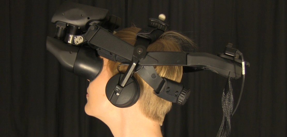 VR headset used in the paranoia treatment research