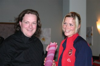 050407_DIF_Arsenalladies13