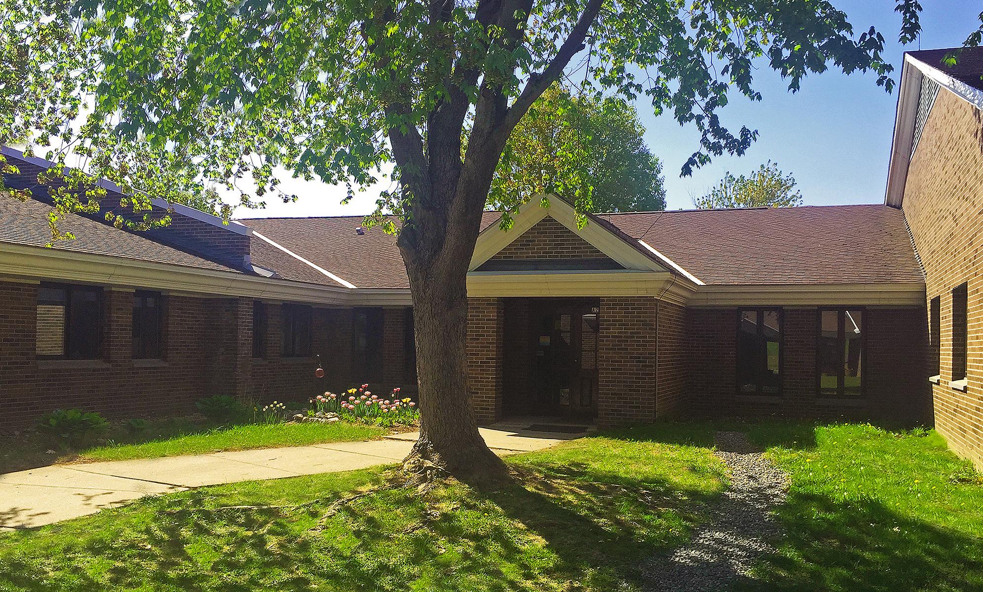 Oxbow-Schoolhouse-Entrance5