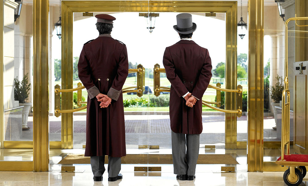 A Day in the Life of a Hotel Reservations Manager