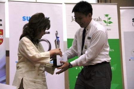 2012_public_speaking_competion_fnals_48_20120708_1726077856
