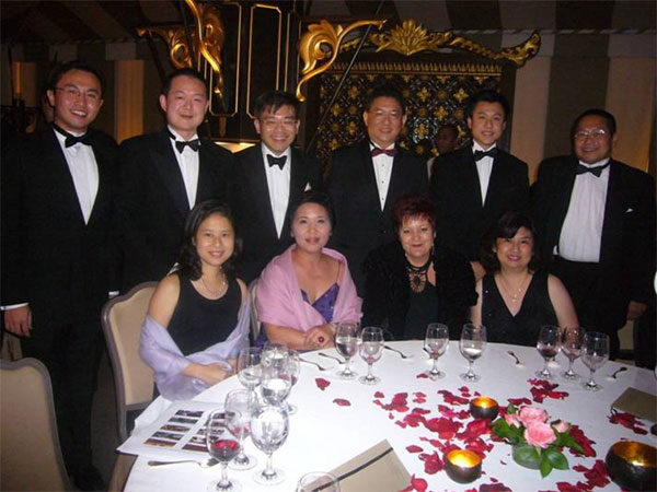 gala_boat_race_ball_2008_20101228_1217384259