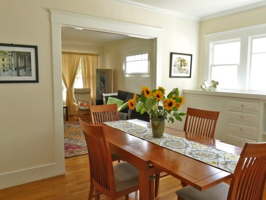 Apartment 1701 Dining Room Oxford Property Management