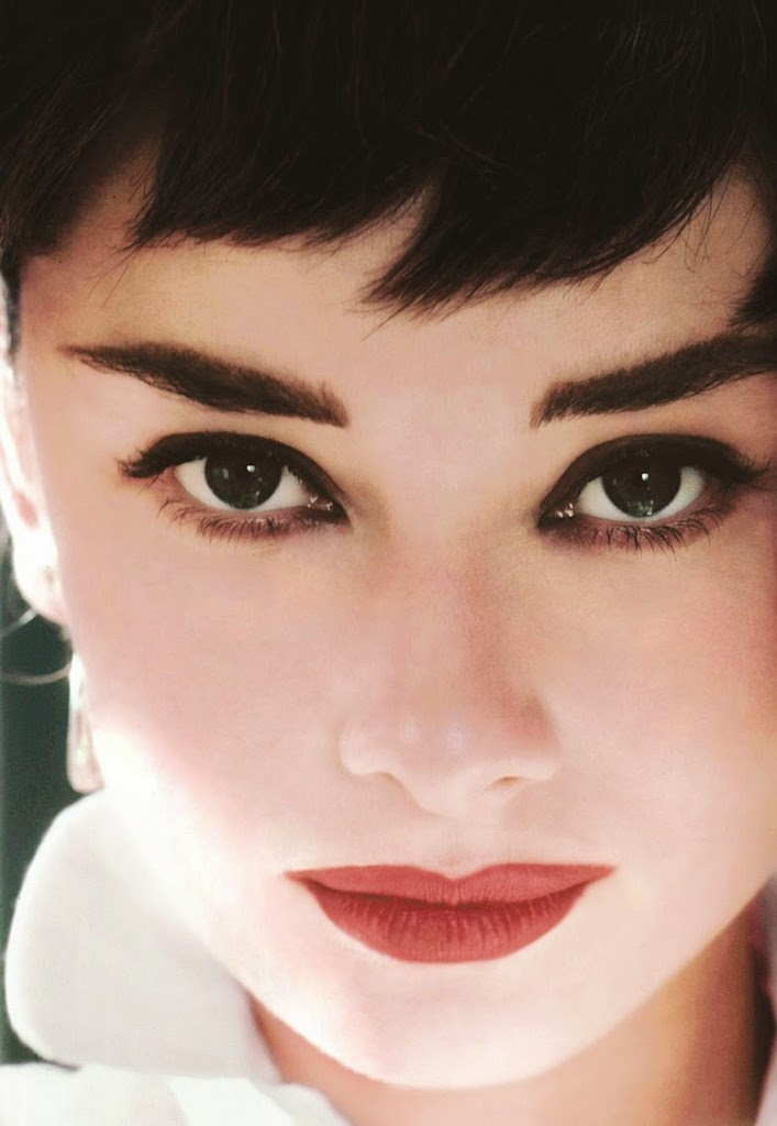 Audrey Hepburn. Taurus Sun, Aquarius Rising (allegedly,  although it's 2° from Pisces and I'd bet the Pisces is right — just look at those eyes.)
