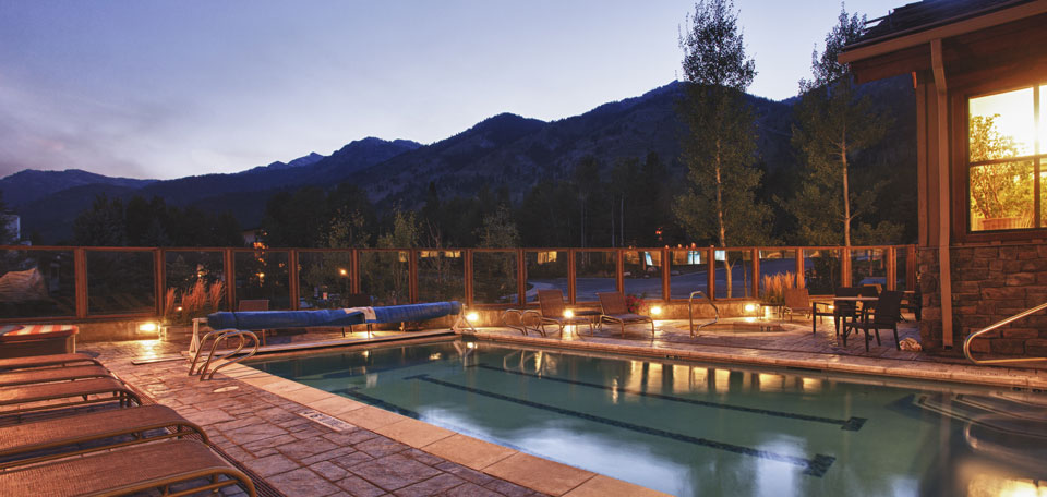 My recommendation is to go with lakefront retreats. Teton Mountain Lodge Jackson Hole Wyoming Usa