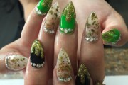 weed nails perfect manicure