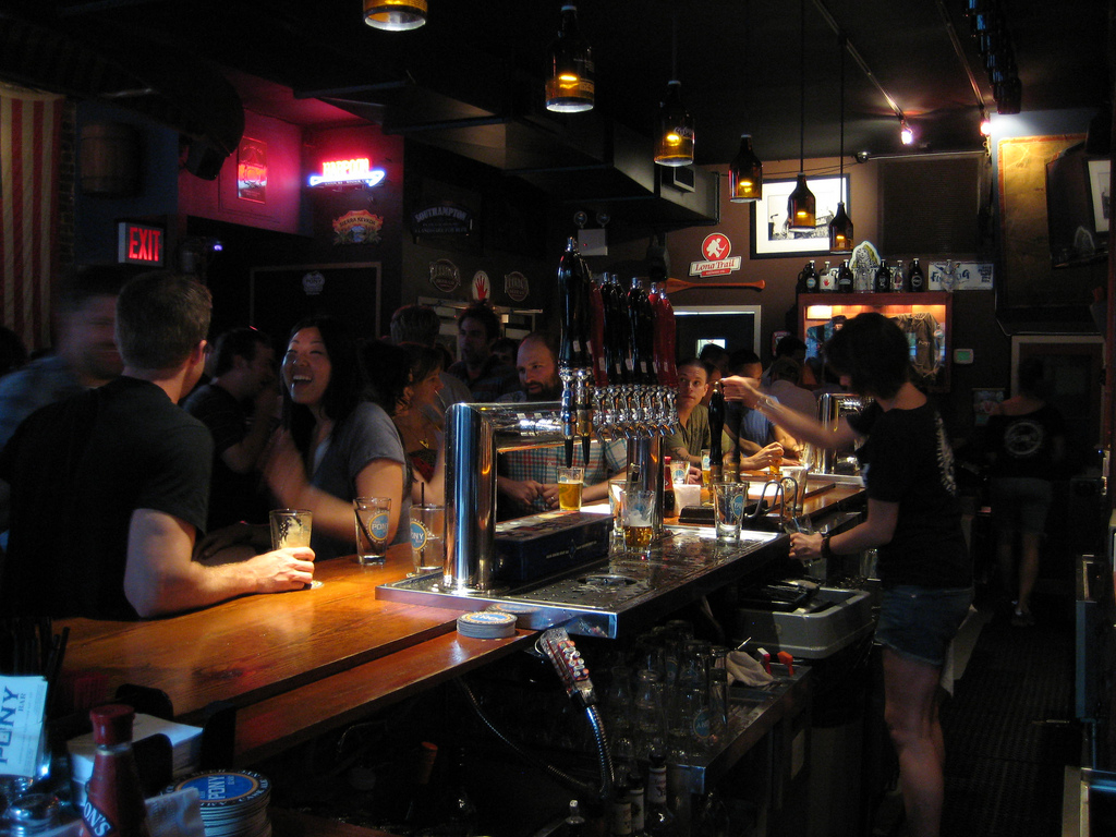 6 Types Of Bar Customers That Make You Want To Kill Yourself