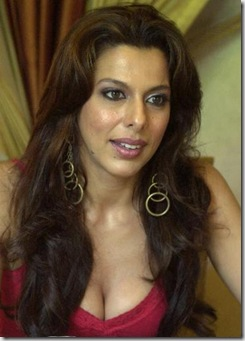 Pooja-Bedi-in-Big Boss 5