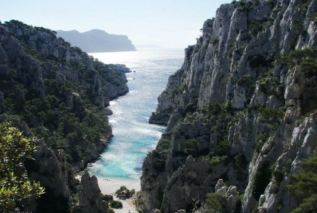 The Cassis Calanques by Akunamatata via Flickr