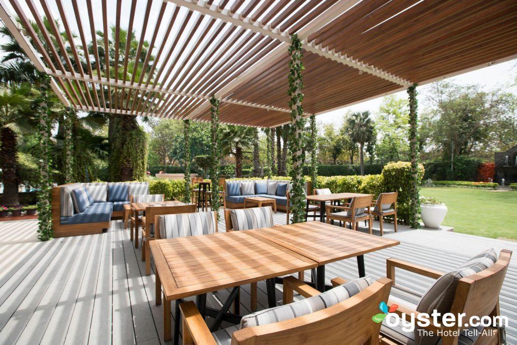 Shangri-La's Eros Hotel/Oyster