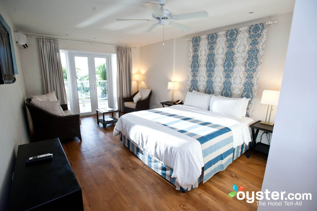Deluxe Oceanfront Room at the Waves Hotel & Spa