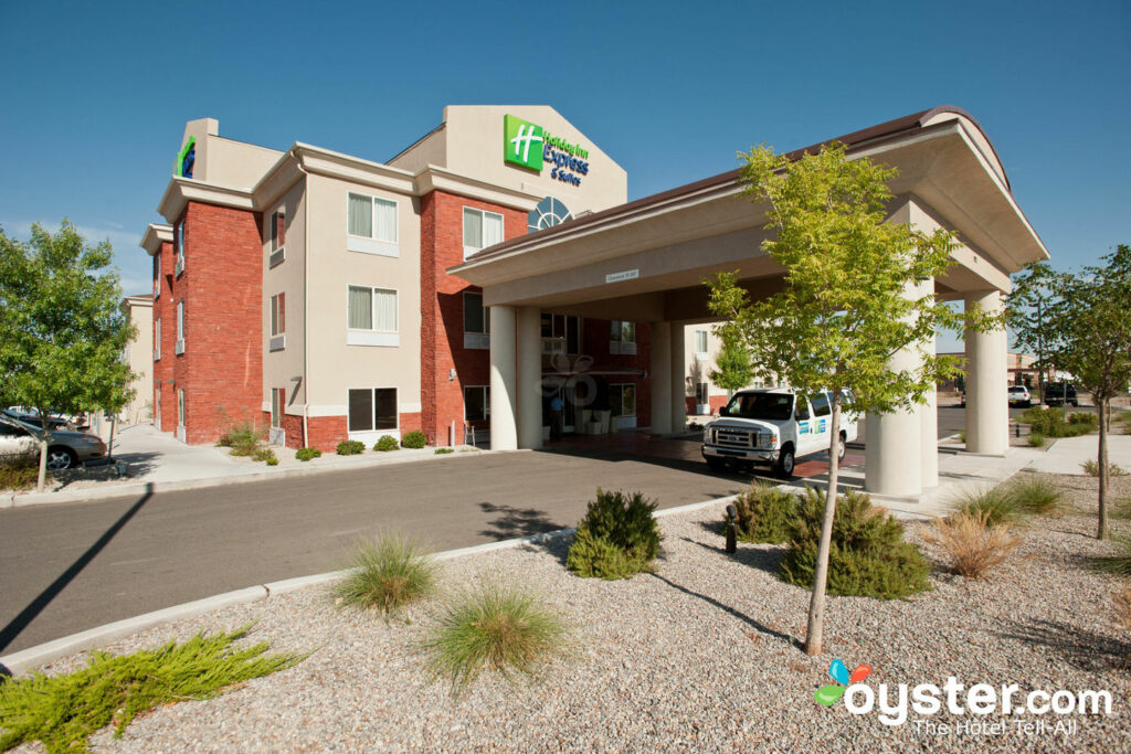 Holiday Inn Express Hotel Suites Albuquerque Airport