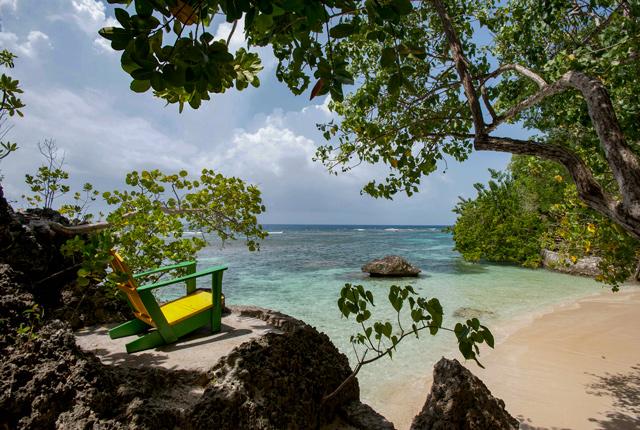 Playa en The Fleming Villa en el GoldenEye Hotel & Resort / Oyster