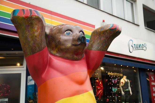 Rainbow Bear, Berlin / Oyster