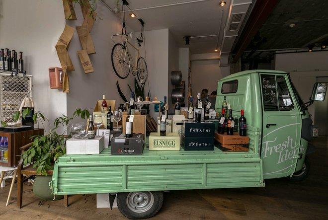 Commerces au Daniel Vienna / Oyster