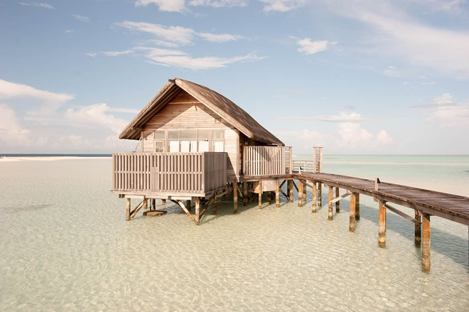 La villa de una habitación en Cocoa Island by COMO / Oyster