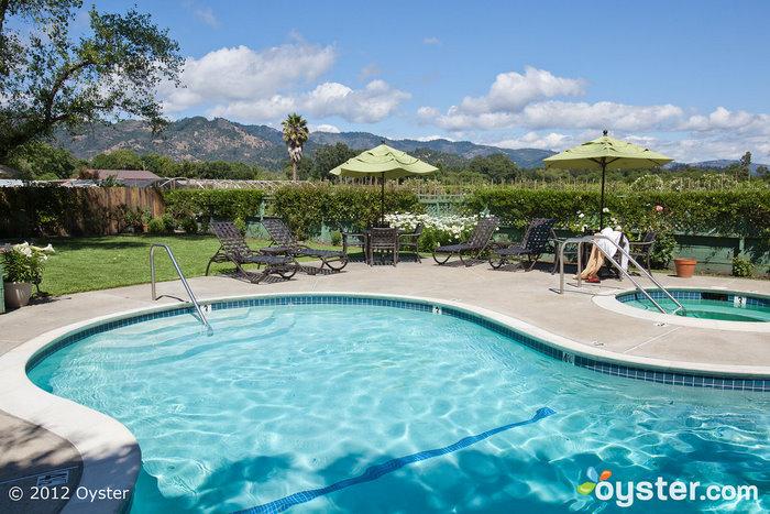 A piscina no EuroSpa & Inn; Calistoga, CA