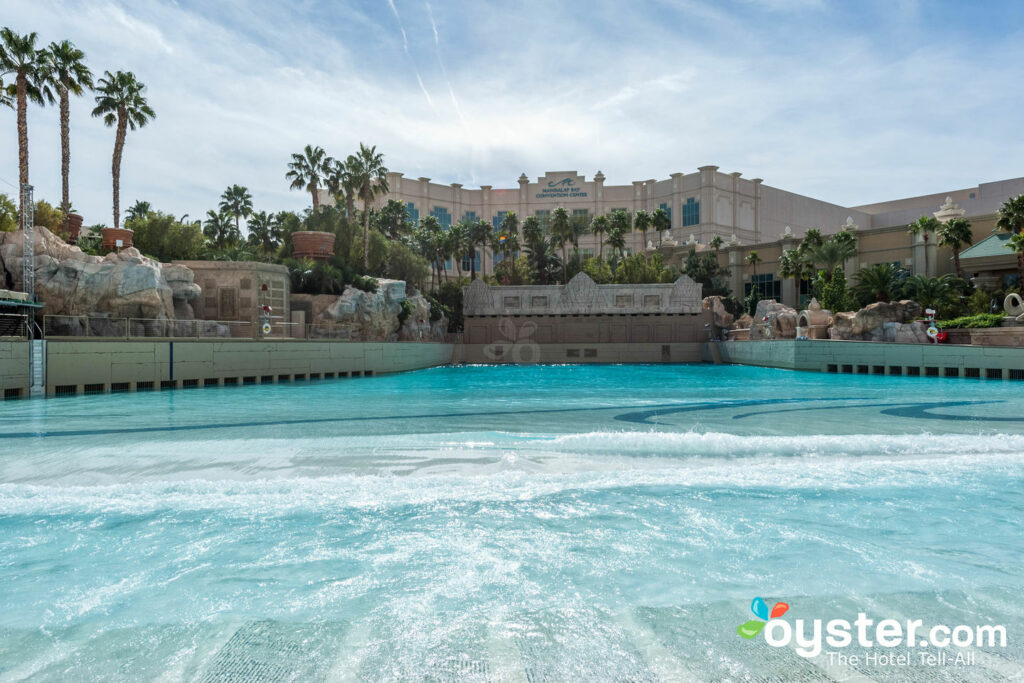 They have a lazy river that my daughter loves, she sits in my lap. Mandalay Bay Resort Casino Mandalay Bay Beach At The Pool At The Mandalay Bay Resort Casino Oyster Com Hotel Photos
