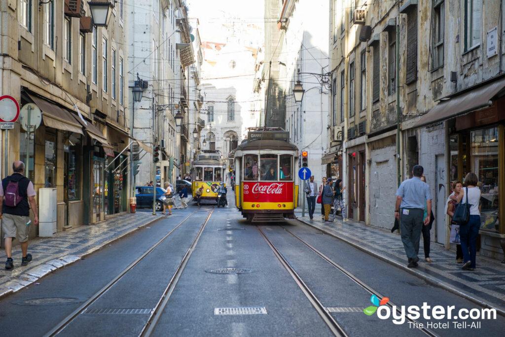 Tram di strada a Lisbona / Oyster