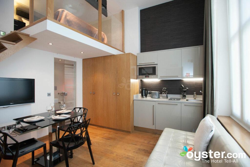 The Triple Mezzanine Studio en el Space Apart Hotel / Oyster