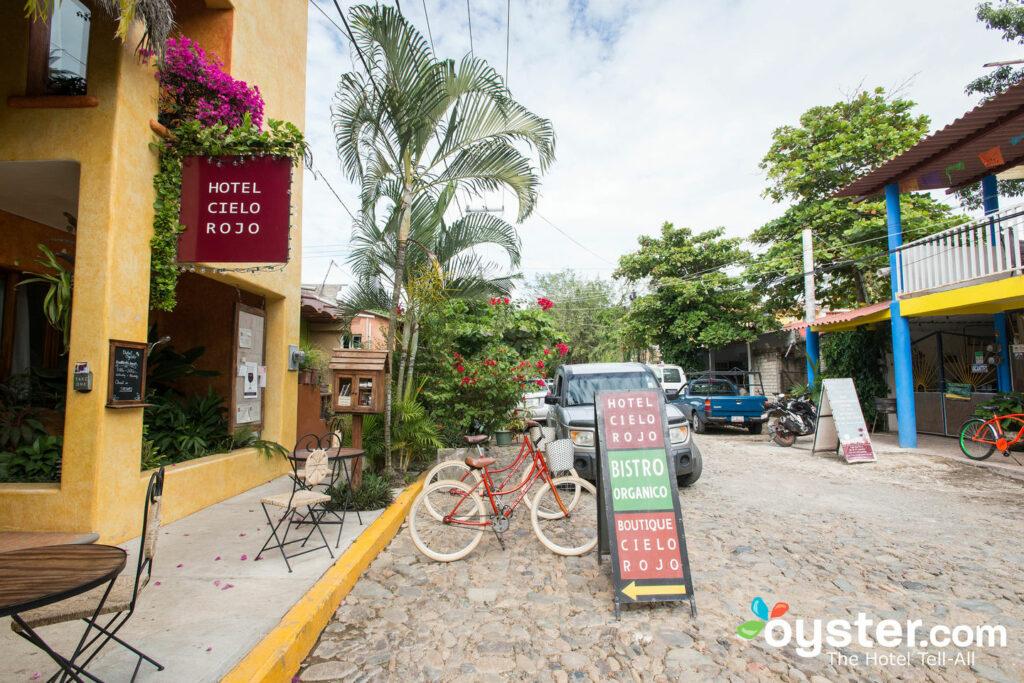 Hotel Cielo Rojo en San Pancho / Oyster