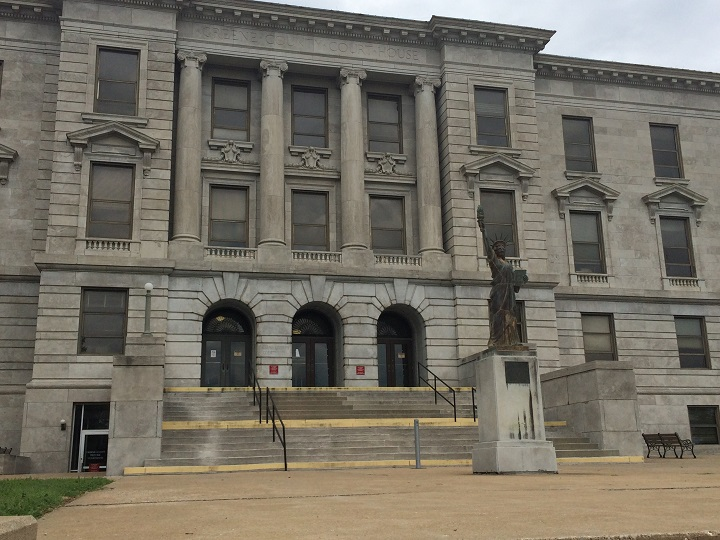 greene county courthouse_1435358581997.JPG