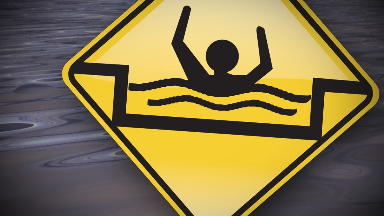 drowning graphic_1451414534031.jpg