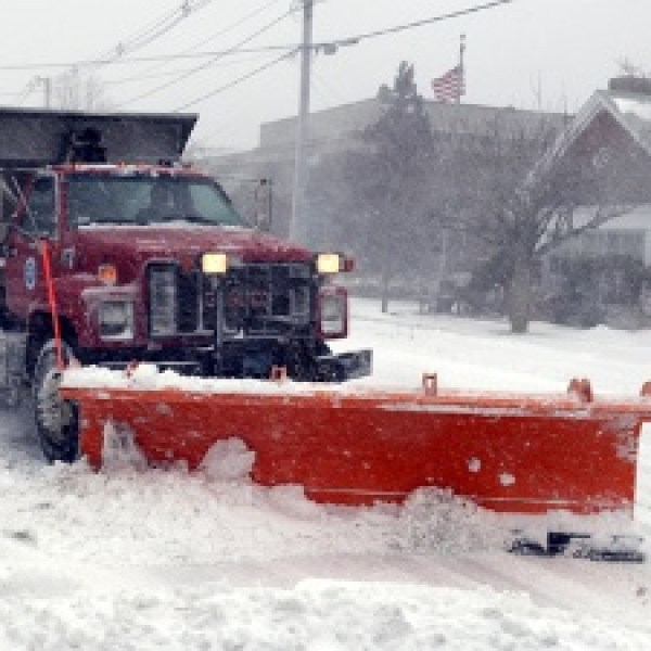 Snowplow-winter-weather-blizzard_20160418175300-159532