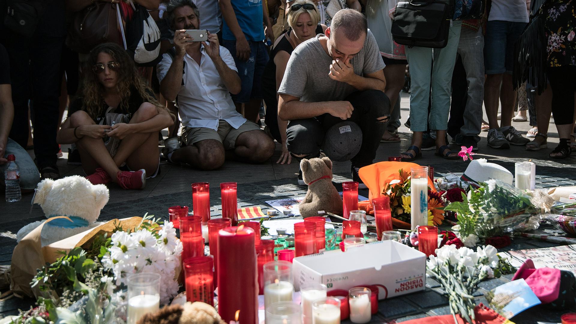 Barcelona van attack Memorial-159532.jpg21171751