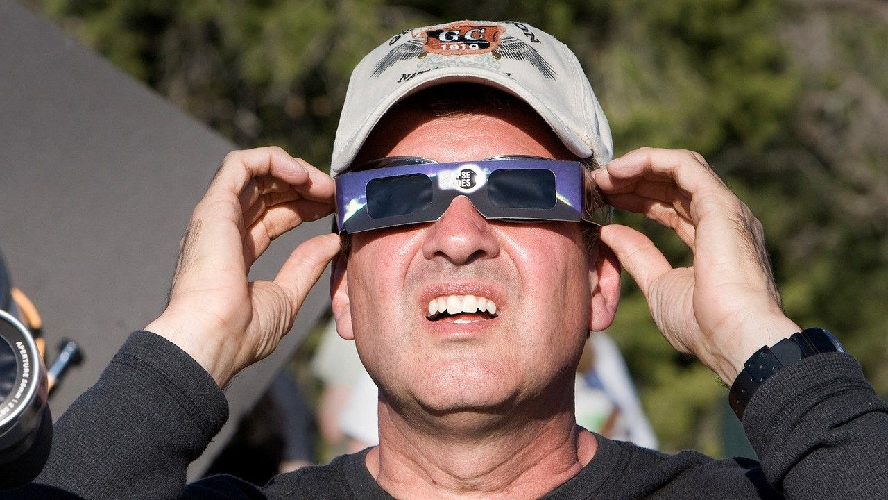 safe eclipse viewing_1501594449825.jpg