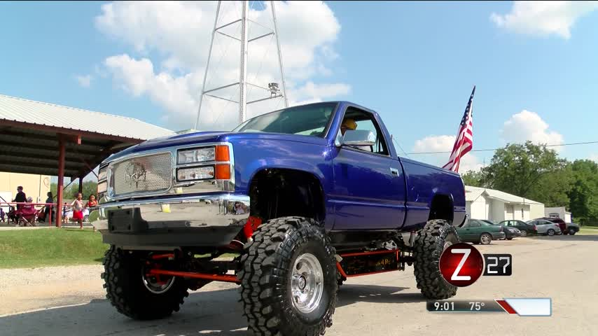 Community Finishes Rebuilding Owner-s Truck After His Death_43370823