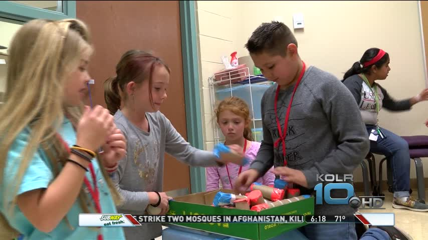 Espy Elementary Students Build Rube Goldberg Machines_43233699