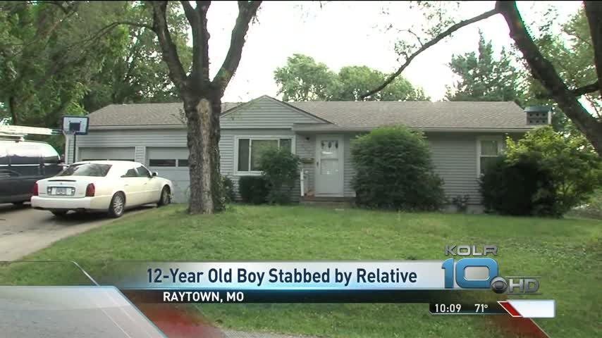 Grandfather Stabbed Grandson in Fight Over Doughnut_95917512