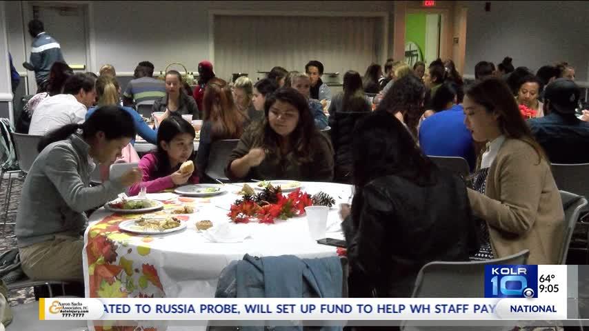 Drury International Students Get a Taste of Thanksgiving_96428128