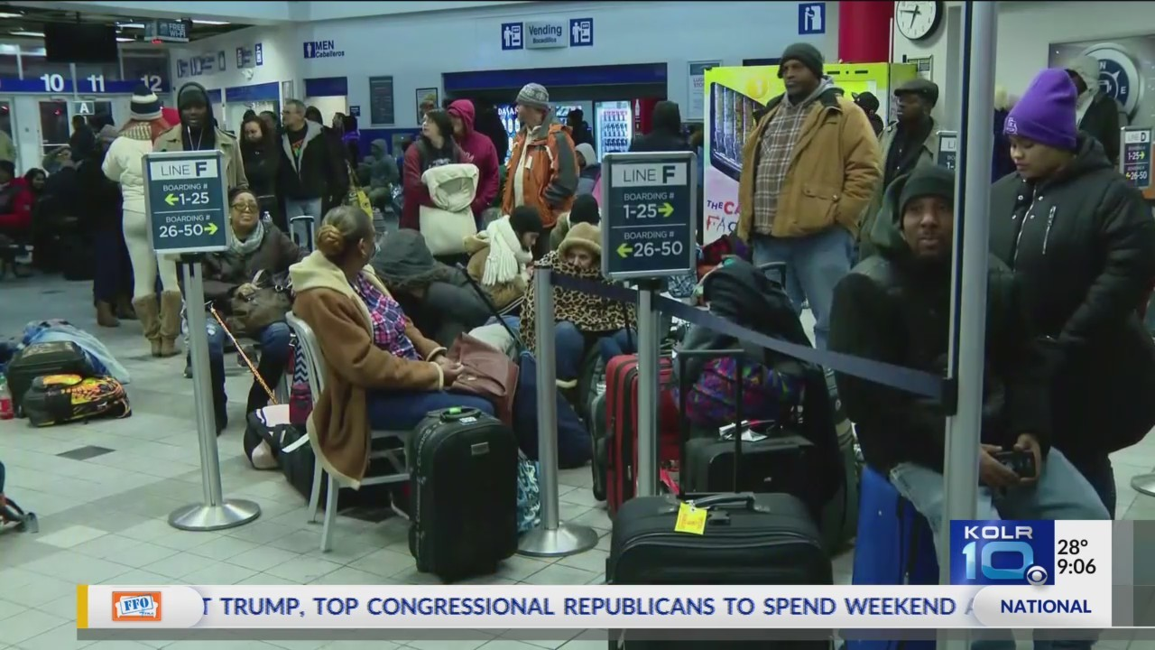 Thousands_Stranded_at_Airports_Due_to_We_0_20180107033632