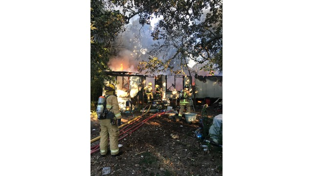 Mobile Home Fire_1536971790131.png_55479249_ver1.0_640_360_1536979955456.jpg.jpg