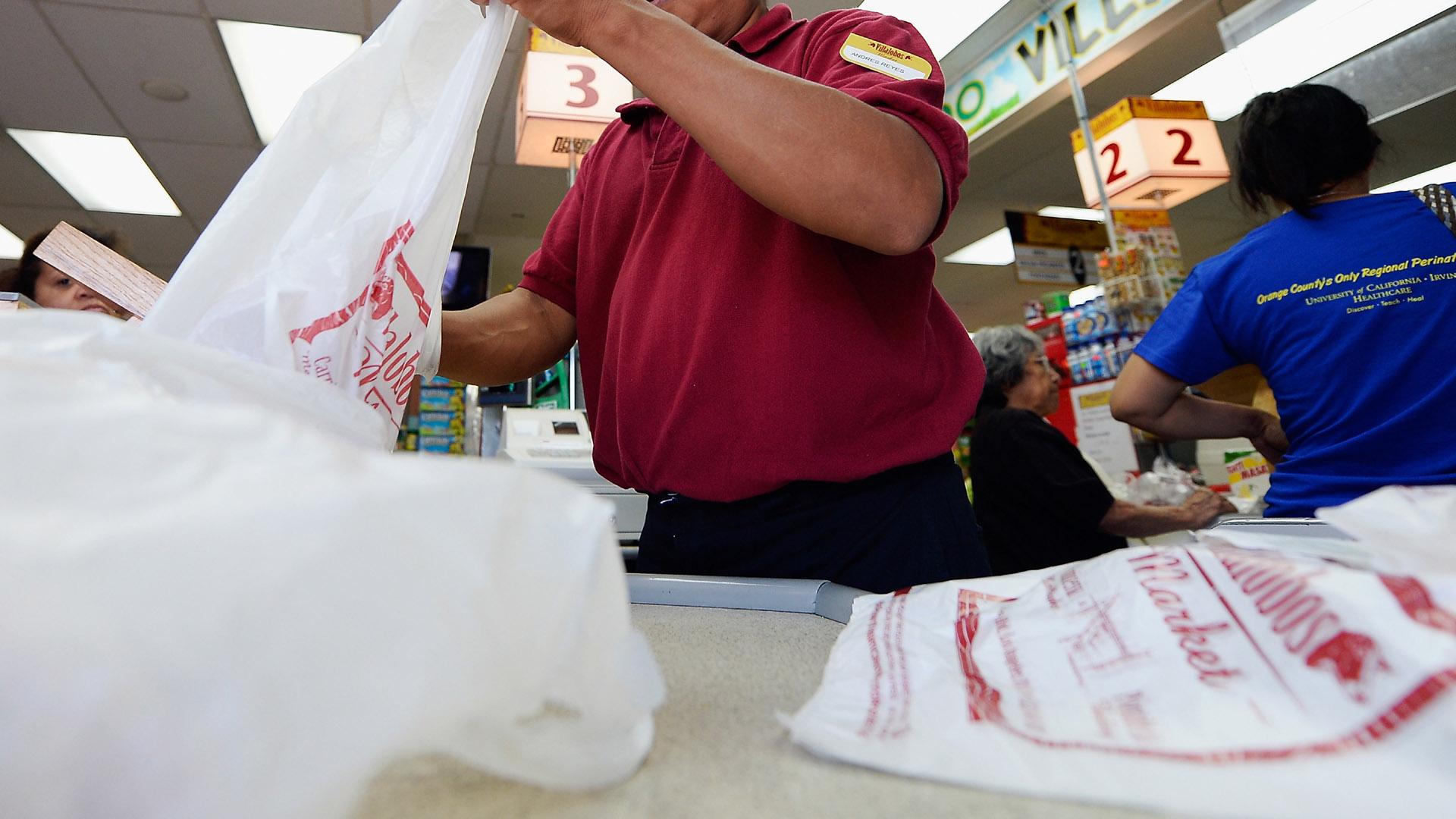 California Plastic Bag Ban04316653-159532