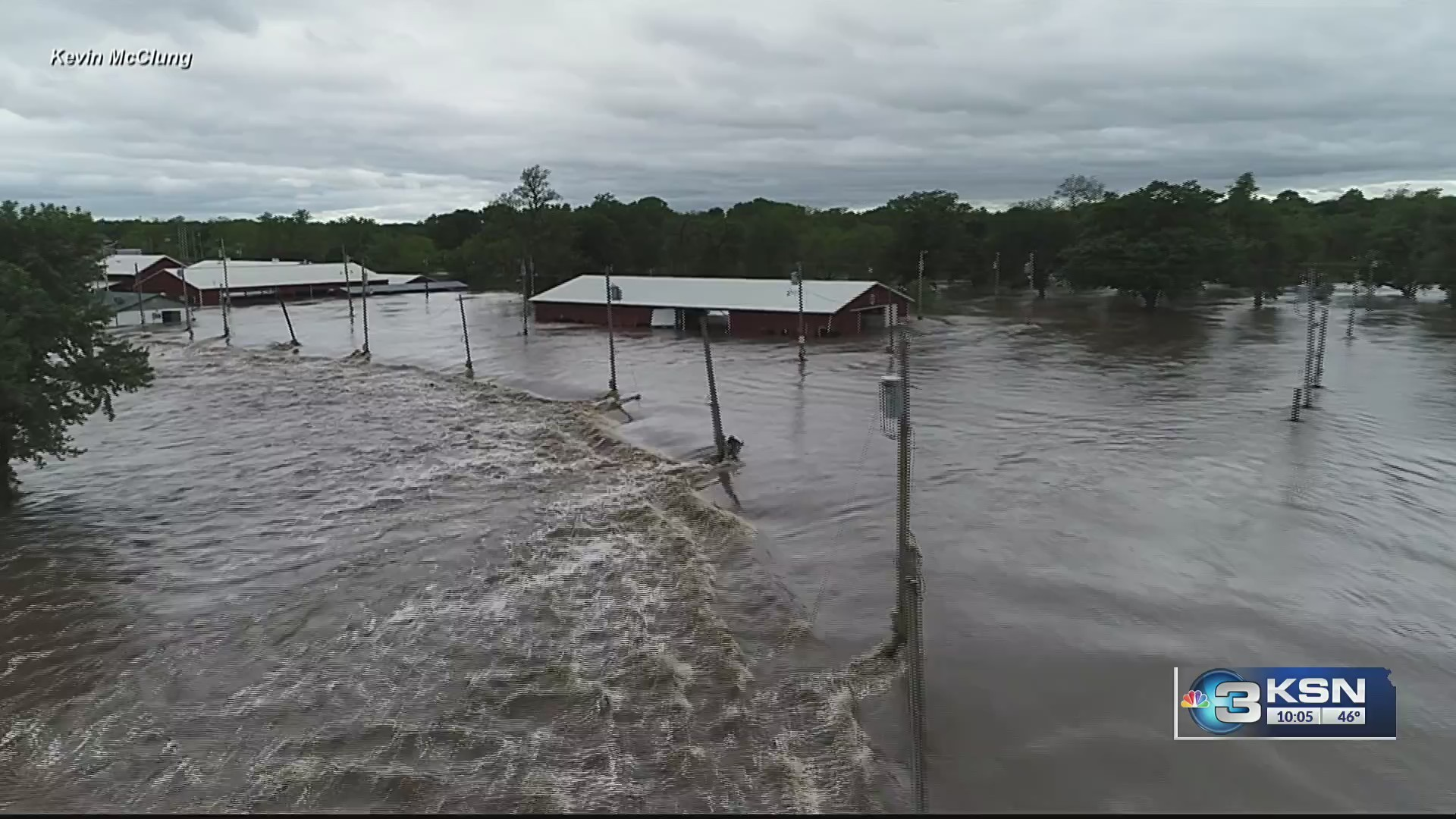 A_look_at_area_floodwaters_from_the_sky_0_20190510031659-846624078