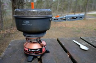 Photograph of a GSI Pinnacle 1.5 Liter backpacking pot & Coleman Exponent Stove