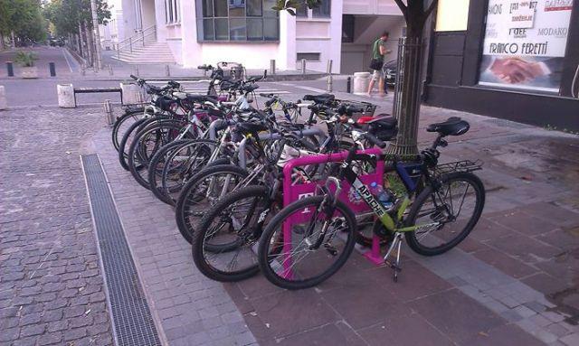 Jedno od 18 parkirališta za bicikla u Podgorici, Foto: Biciklo.me