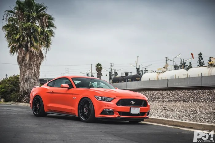 ed-competition-orange-ford-mustang-gt-competition-pack-concave-rotary-forged-flow-formed-gloss-black-r-spec-wheels-blog-front-quarter-side-profile