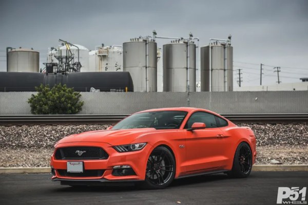 ed-competition-orange-ford-mustang-gt-competition-pack-concave-rotary-forged-flow-formed-gloss-black-r-spec-wheels-blog-front-side-quarter