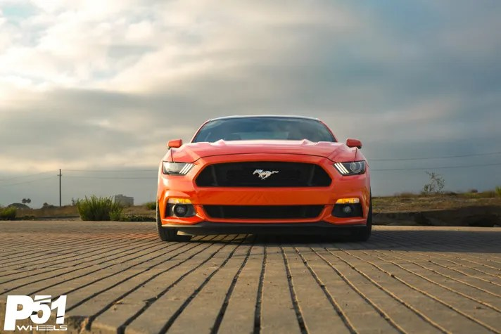 miguel-competition-orange-ford-mustang-gt-competition-pak-concave-rotary-forged-flow-formed-gloss-black-r-spec-wheels-blog-front-grille