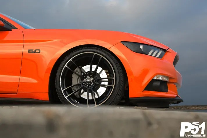 miguel-competition-orange-ford-mustang-gt-competition-pak-concave-rotary-forged-flow-formed-gloss-black-r-spec-wheels-blog-front-side-wheel
