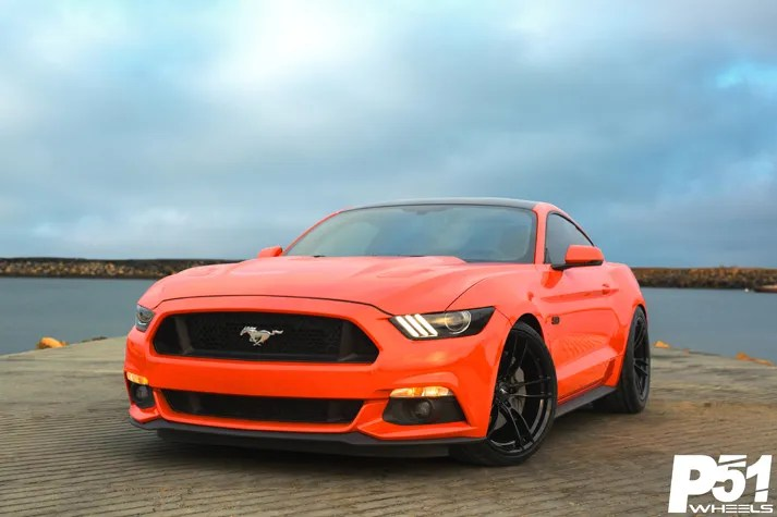 miguel-competition-orange-ford-mustang-gt-competition-pak-concave-rotary-forged-flow-formed-gloss-black-r-spec-wheels-blog-front-quarter-1