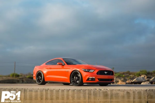miguel-competition-orange-ford-mustang-gt-competition-pak-concave-rotary-forged-flow-formed-gloss-black-r-spec-wheels-blog-front-quarter-side