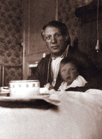 Pablo Picasso Photos With Daughter Maya 1935 Year