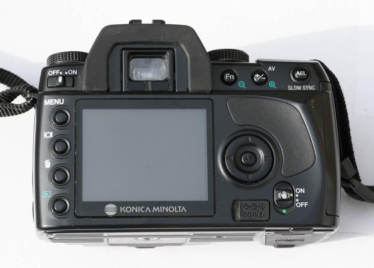 Minolta Dynax 5D - Acterzijde
