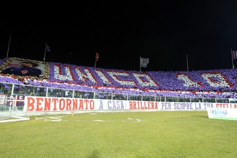 FLORENCE, ITALY - JANUARY 15: Fans of ACF Fiorentina during the Serie A match between ACF Fiorentina and Juventus FC at Stadio Artemio Franchi on January 15, 2017 in Florence, Italy.  (Photo by Gabriele Maltinti/Getty Images)