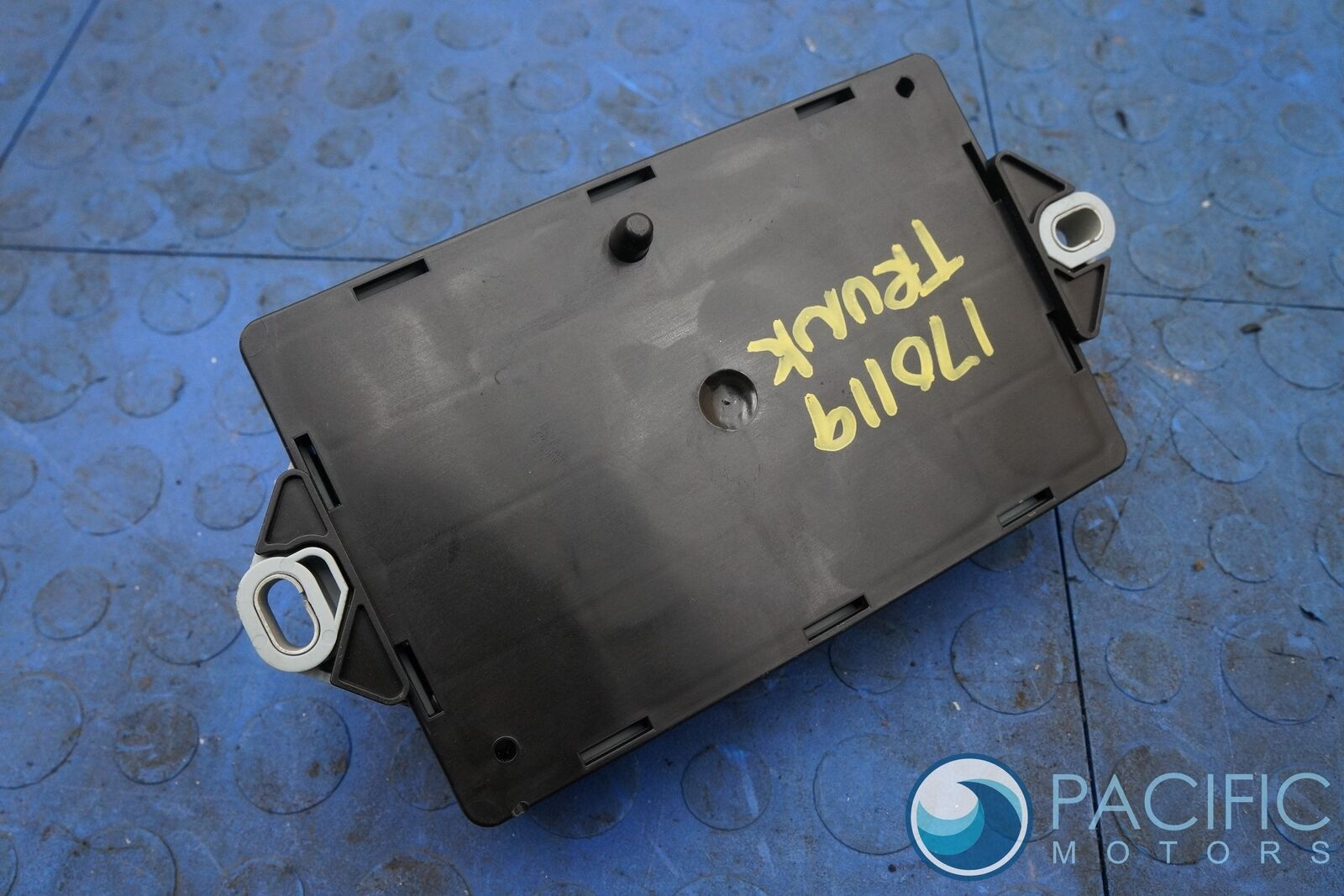 hight resolution of engine compartment fuse box block c2d23644 jaguar f type